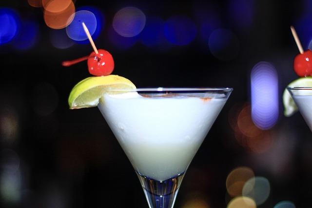 alkoholický koktejl
