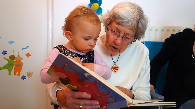 babička s prckem