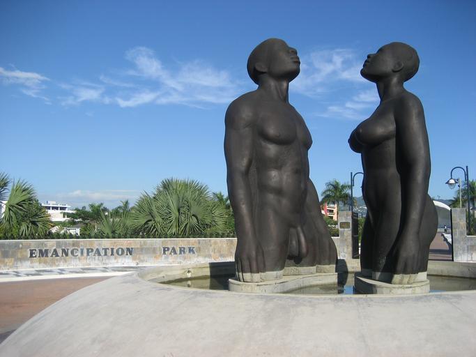 nahý pár - sochy
