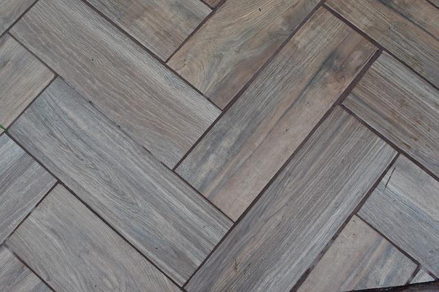 Dřevěná podlaha v interiéru
