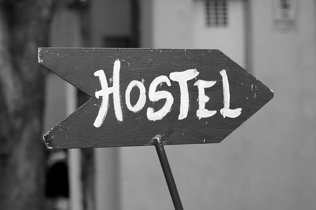 směrovka hostel.jpg
